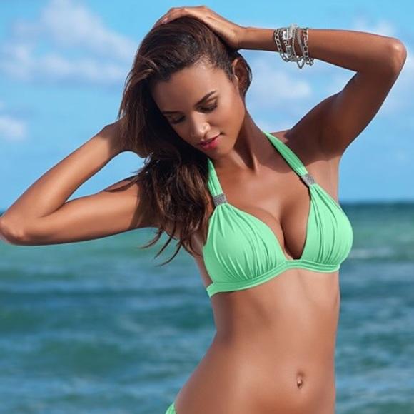 2c172f0d6cbe8 Enhancer Push Up Bikini Top. M 5b339791fe51518e39239749